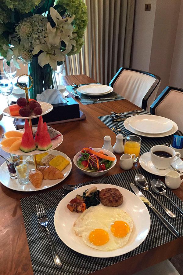 Hi-5-Breakfast